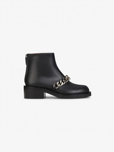 Givenchy Chain Ankle Boots BE08198004 001